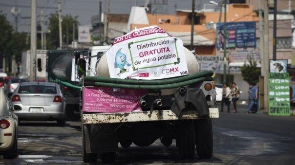 Un camión cisterna en Ciudad de México