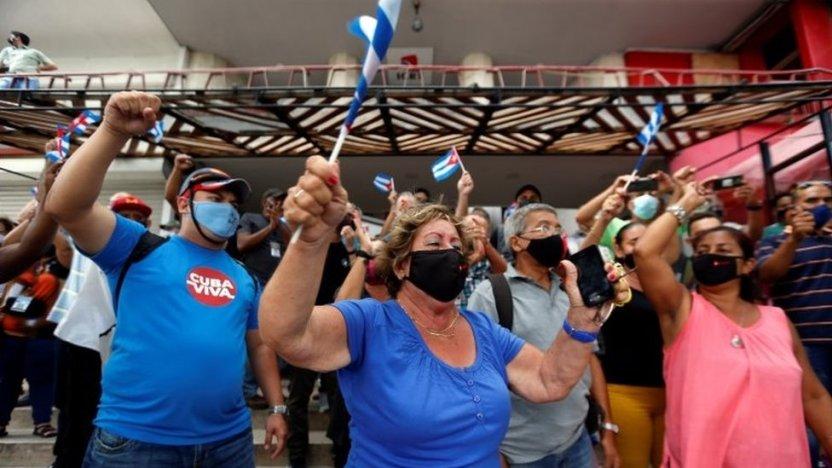 """119366186 bbccdd2b 59e1 4038 ae4b fa3a4909624d - """"Nuestro pueblo es heroico"""": las voces de los cubanos que apoyan al gobierno de Díaz-Canel"""