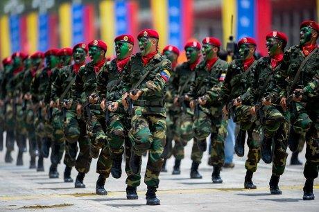 Soldados de Venezuela en un desfile