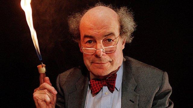 Great Egg Race presenter dies