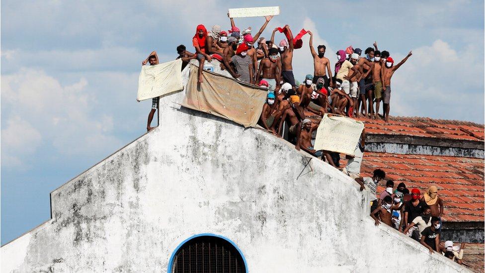 Sri Lanka: Eight die in prison riot over Covid panic - BBC News