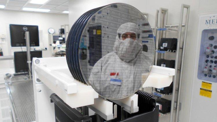 Laboratorio holandés con semiconductores