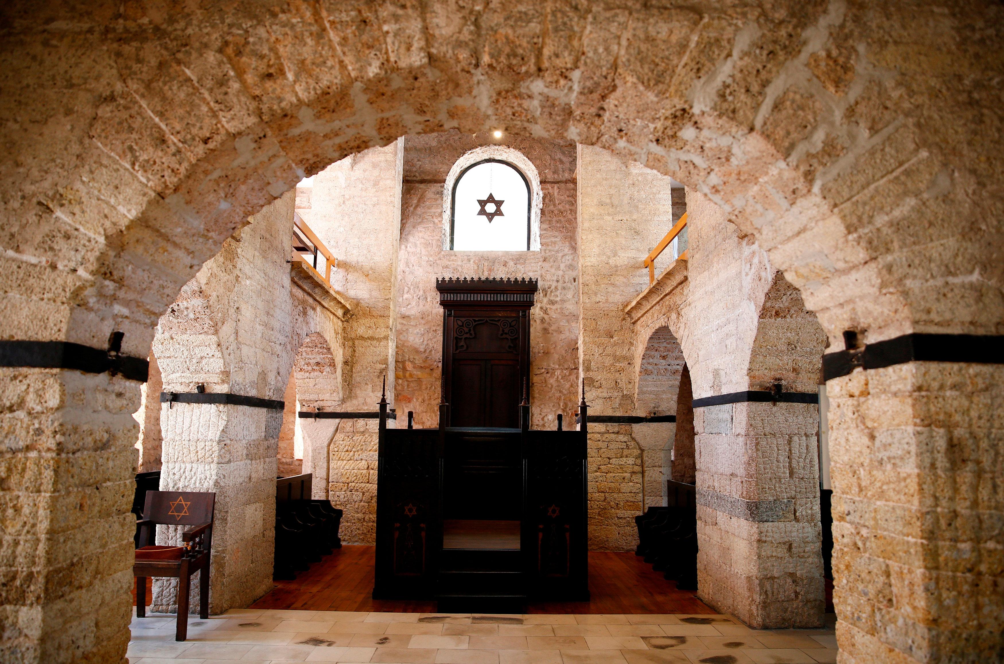 Eliezer Papo nació en Sarajevo de padres sefardíes que no hablaban ladino.