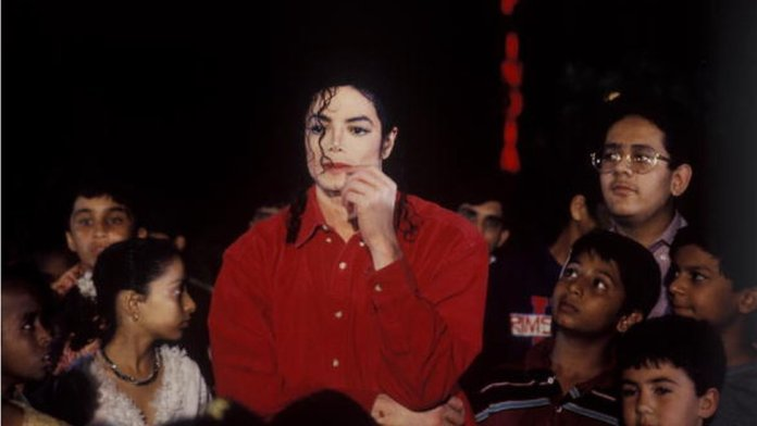 Michael Jackson poses ahead of his concert as part of his HIStory tour in 1996 in Mumbai, India