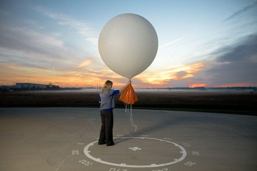 """118137039 gettyimages 456507314 - Cómo funcionan los """"globos sonda"""" que se elevan a diario y ayudan a los pronósticos meteorológicos"""
