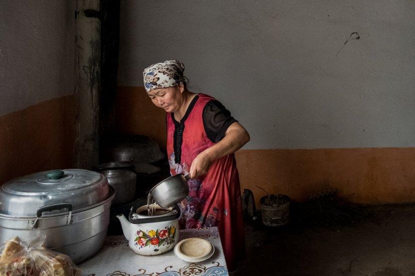 """116687959 gettyimages 1173692136 1 1 - """"Pagaban para elegir a las reclusas más bonitas"""": detenidas de un campo para uigures en China denuncian violaciones"""