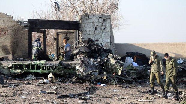 مات جميع الركاب وأعضاء الطاقم الذين كانوا على متن الطائرة