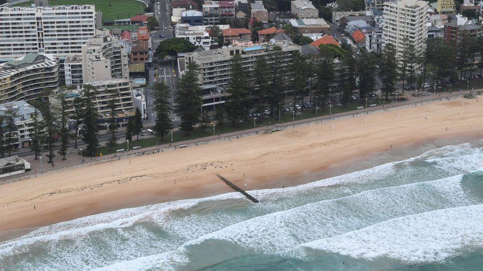 An empty Manly Beach closed during the pre-Christmas lockdown period