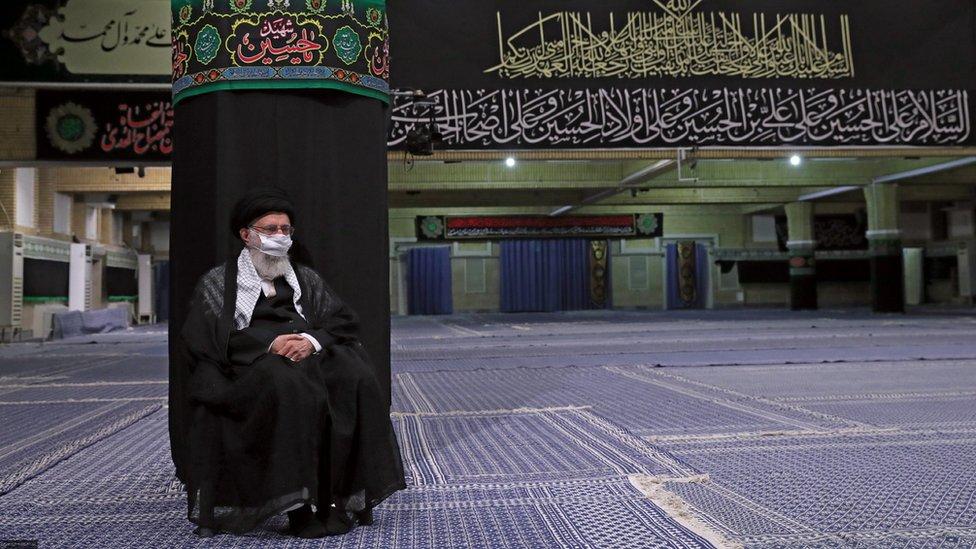 عکس خبر؛ عزاداری آیتالله خامنهای در سالن خالی - BBC News فارسی