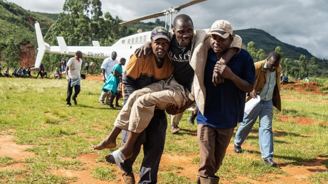 Cyclone Idai: 'Massive disaster' in Mozambique and Zimbabwe