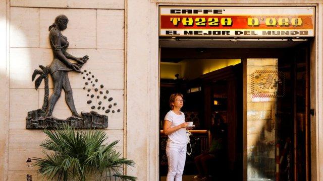 Roma'daki bir kafe