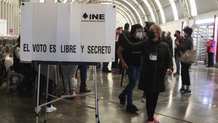 """119659671 a2629a22 a6ff 4693 ad76 ecc183e0b81d - Expresidentes de México: la inédita consulta promovida por AMLO para """"juzgar"""" a los exdirigentes"""
