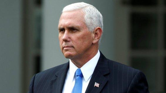 El vicepresidente de Estados Unidos, Mike Pence, reconoció que nunca se reúne o tiene una cena a solas con una mujer que no sea su esposa.