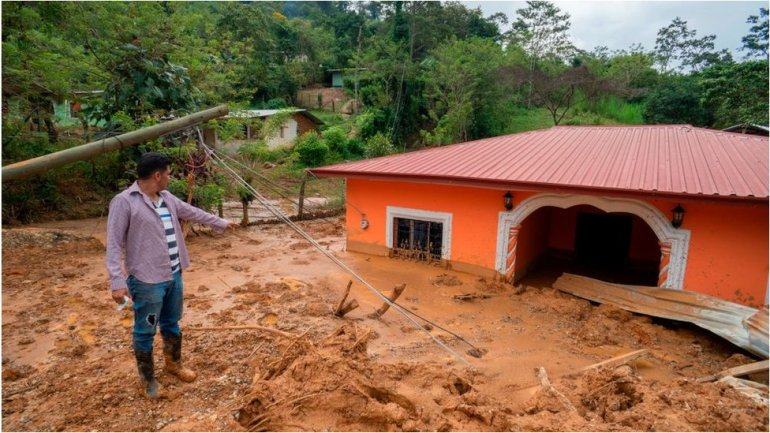 A house with mud in Honduras