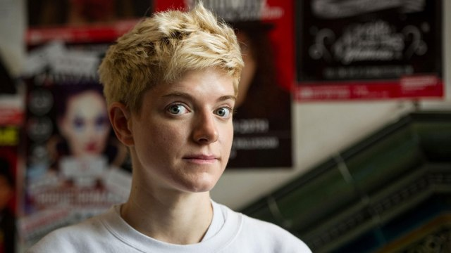 Mae Martin: The comedian who doesn't want to label love