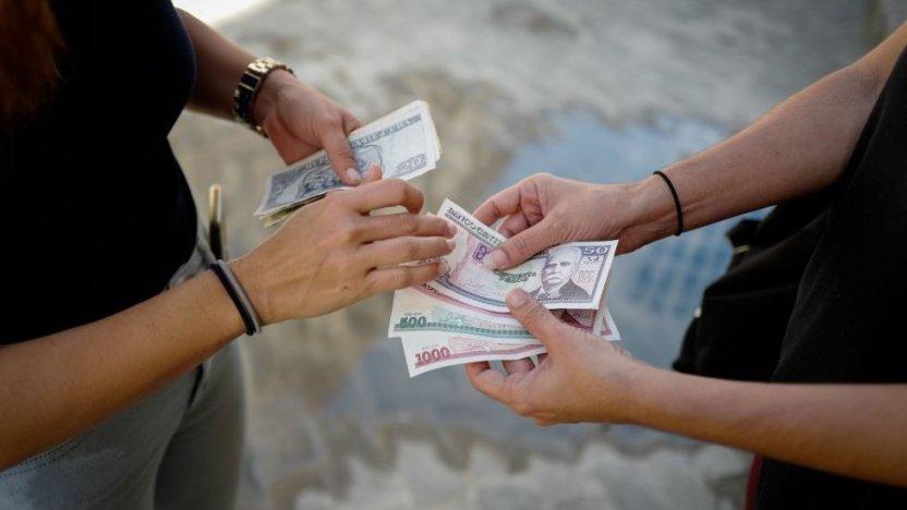 """116323491 gettyimages 1230139817 - Cuba emprende el """"Día Cero"""" del ordenamiento monetario y de profundas reformas económicas"""