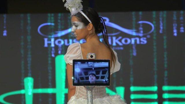 London Fashion Week 2018: Robots take over the runway