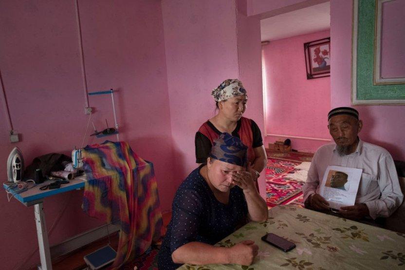 """116684003 gettyimages 1173692131 1 - """"Pagaban para elegir a las reclusas más bonitas"""": detenidas de un campo para uigures en China denuncian violaciones"""