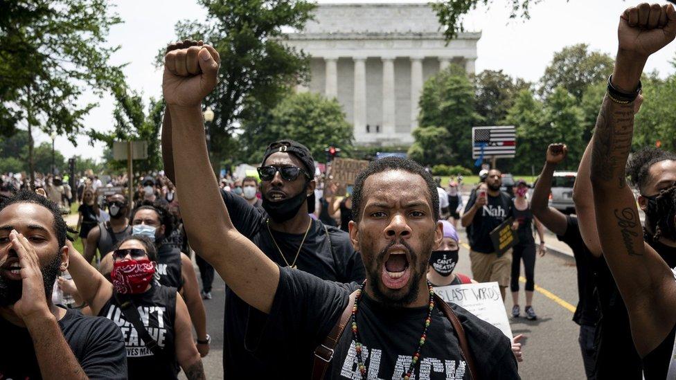 美國種族示威蔓延全球,示威者促政府改革- BBC News 中文