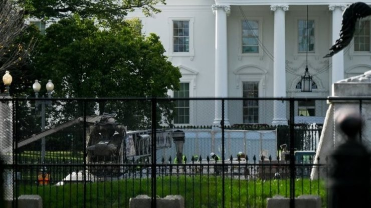 Security fencing has been put up in front of the White House in Washington DC. Photo: 2 November 2020