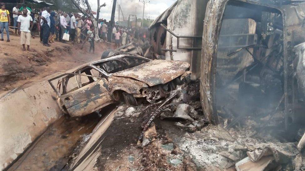 Nigerian fuel tanker explosion kills 25 in Lokoja - BBC News