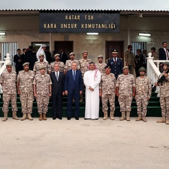 25 Kasım 2019'da Katar'a giden Erdoğan, buradaki Türk askerini de ziyaret etti