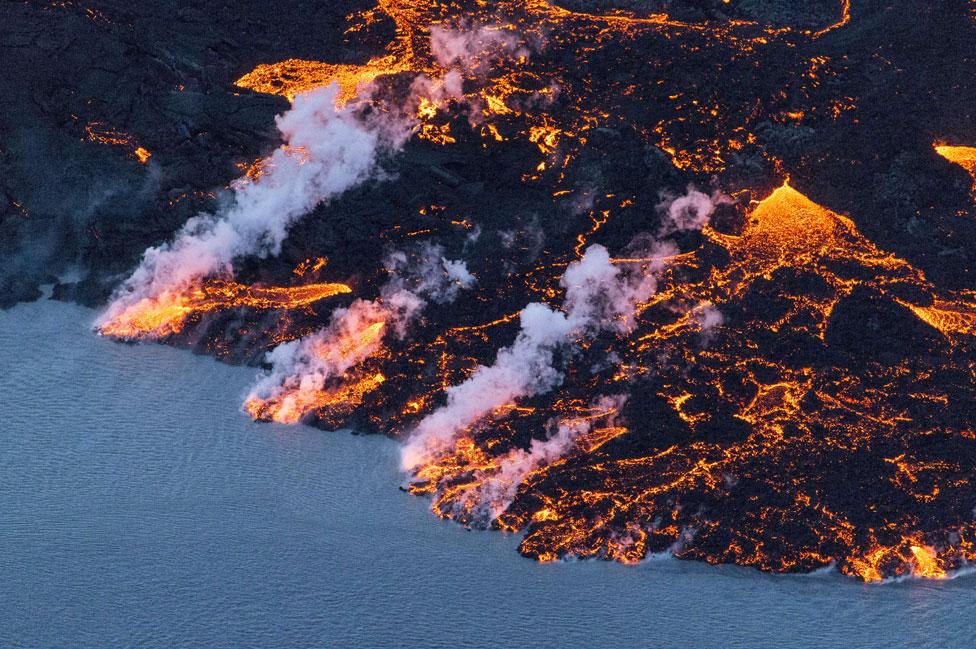 Lava arrojada por el volcán Bardarbunga en 2014
