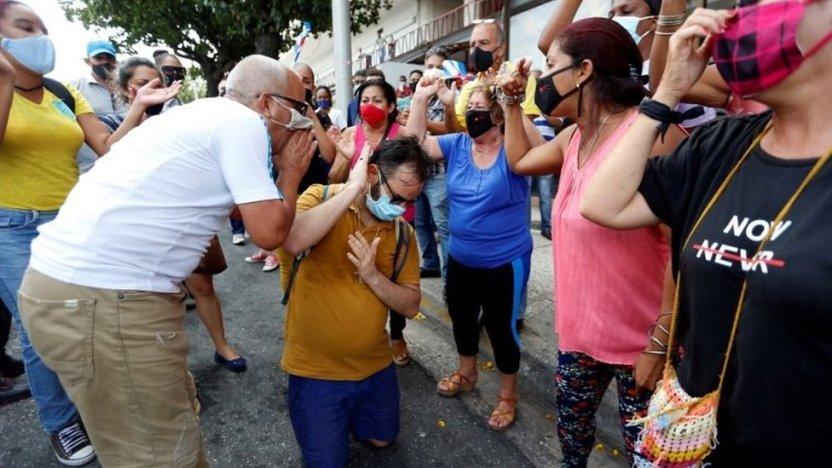 """119366184 8e2e83a9 cdfa 4ee1 bea1 958e9bbc8376 - """"Nuestro pueblo es heroico"""": las voces de los cubanos que apoyan al gobierno de Díaz-Canel"""