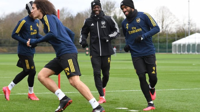 Arsenal player dey train