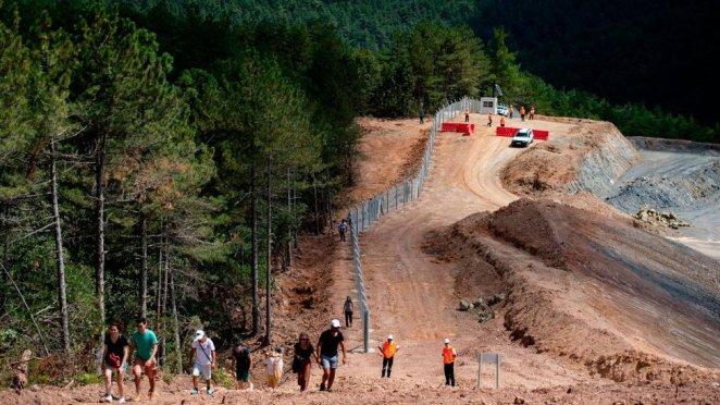 Çanakkale'de Kazdağları'ndaki madencilik faaliyeti nedeniyle 348 binden fazla ağacın kesildiği raporlara yansıdı.
