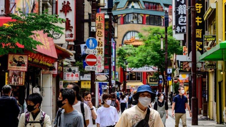 Gente con mascarillas en Yokohama en mayo, de 2020.