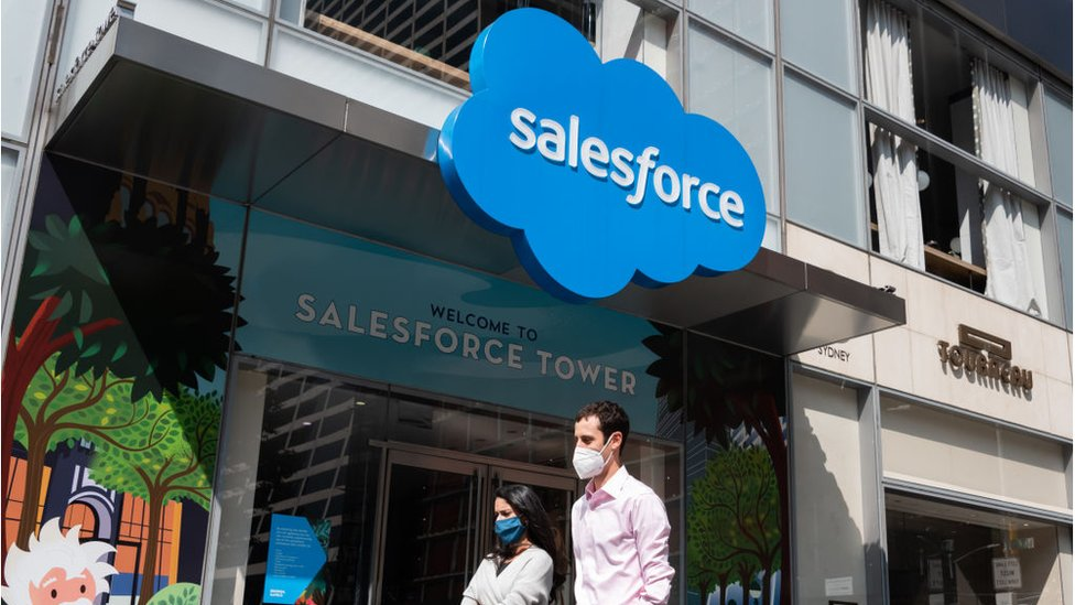Salesforce has agreed to buy workplace messaging app Slack.