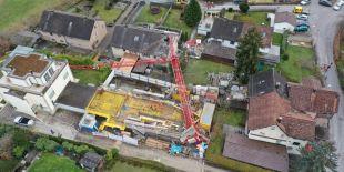 Construction crane Meilen ZH falls into couple family home