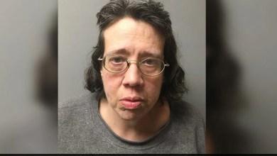 القبض على امرأة أمريكية لإخفاء أمها & # 039 ؛ ق الجسم تحت البطانيات لمدة 44 يوما 7