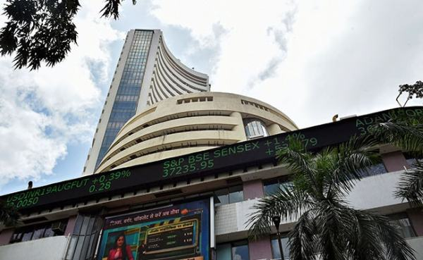Sensex Rises Over 100 Points, Nifty Above 11,700; Infosys Shares Down 10%: LIVE Market Updates