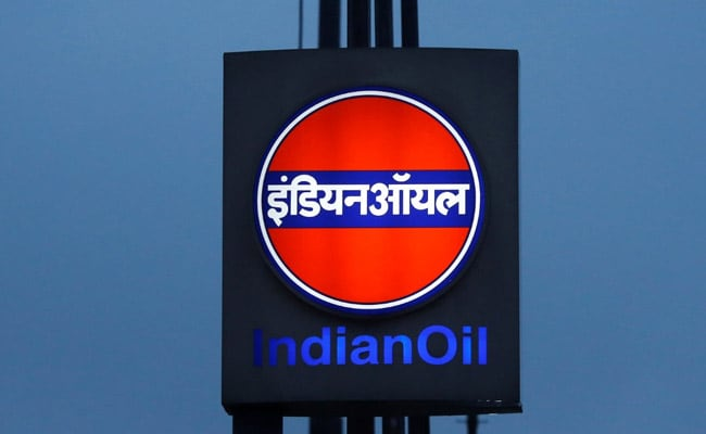 Oil Refiners Cut Output, Imports As COVID-19 Hits Demand