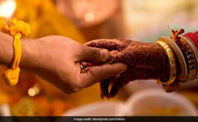 Maharashtra College Girls Made To Take Oath Against Love Marriage