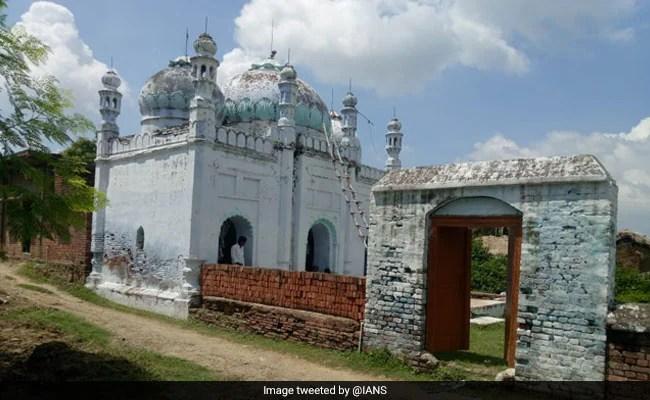 बिहार का एक गांव, जहां नहीं है एक भी मुस्लिम, पर मस्जिद में रोज होती है अजान और पांच वक्त की नमाज