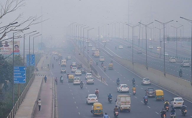 Smog Returns To Choke Delhi-NCR, Air Quality At 'Very Poor'