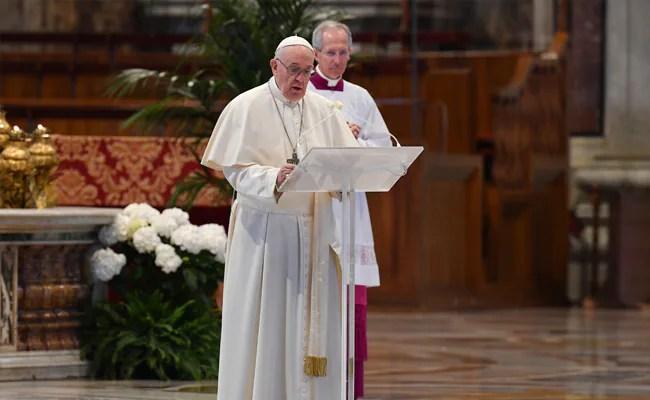 """कोरोनवायरस के बाद """"गरीबी की समाप्ति महामारी"""" के लिए कार्रवाई के लिए पोप कॉल"""