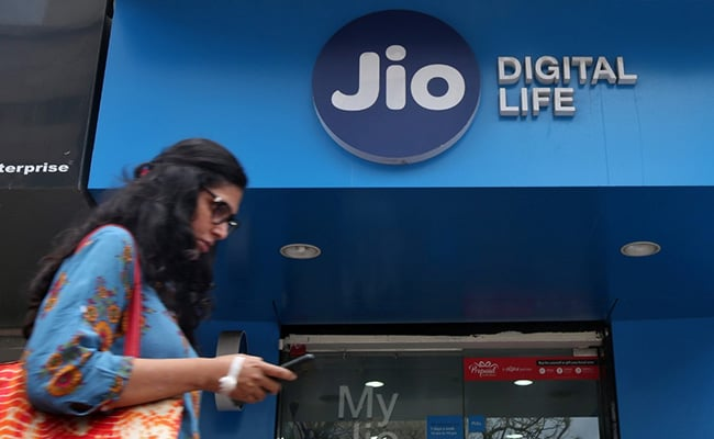 Reliance Jio To Construct Largest Submarine Cable System, Stock Edges Higher