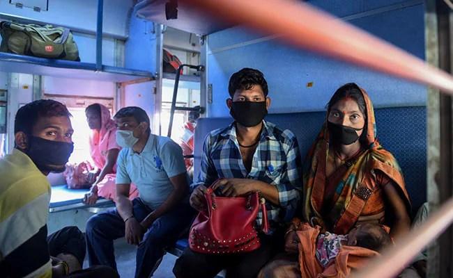 21 लाख से ज्यादा प्रवासी मजदूर यूपी लौटे हैं: अधिकारी