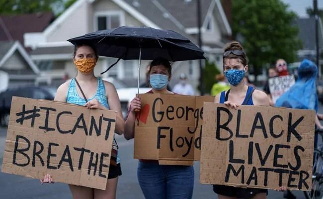 काले आदमी की मौत पर हिंसक विरोध के बाद मिनियापोलिस में लगाया गया कर्फ्यू