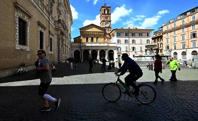 द्वितीय विश्व युद्ध के बाद से वायरस से प्रभावित इटली ने सबसे खराब मंदी का सामना किया