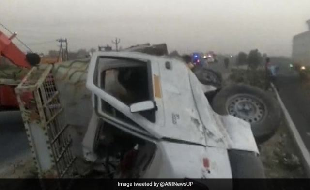 6 Farmers Killed, 1 Injured In Truck Collision In UP's Etawah