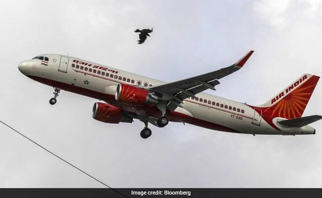 एयर इंडिया की बोली को मीठा करने के लिए, सरकार को कर्ज की स्थिति को गिराना चाहिए: रिपोर्ट