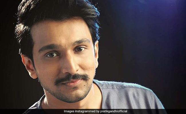 Actor Pratik Gandhi, His Wife And Brother Test Positive For COVID-19