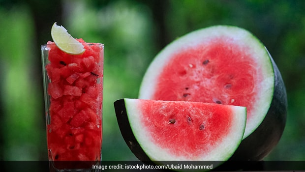 Watermelon Lemonade - A Hydrating, Immunity-Boosting Drink You Can Easily Make At Home (Recipe Video)