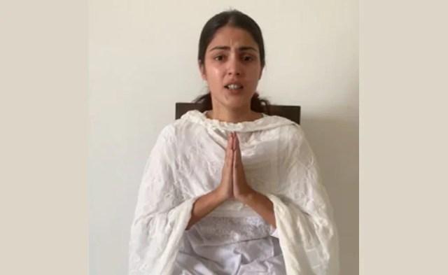 Rhea Chakraborty Paid From 2 Bank Accounts Of Sushant Rajput: Investigators