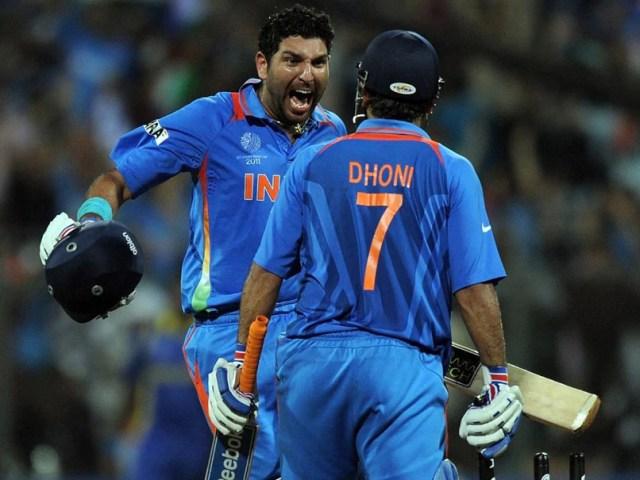 """एमएस धोनी रिटायर: युवराज सिंह ने पूर्व भारतीय कप्तान के साथ """"भारोत्तोलन विश्व कप ट्रॉफी"""" की याद ताजा की  क्रिकेट खबर"""